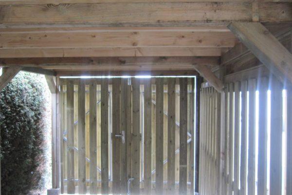 Dubbele deuren in overkapping carport Vleuten