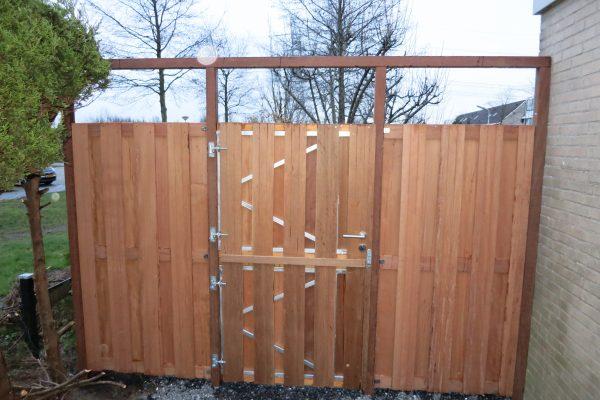 hardhouten (stal)deur plaatsen3
