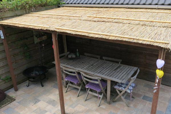 Overkapping met riet dak