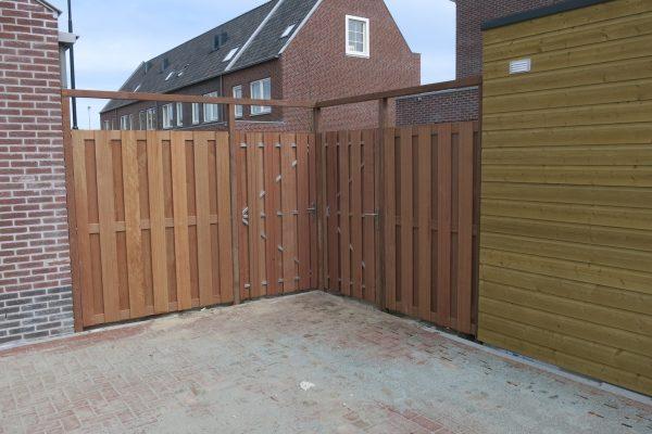 plaatsen-schuttingen-poortdeuren-nieuwbouwwijk