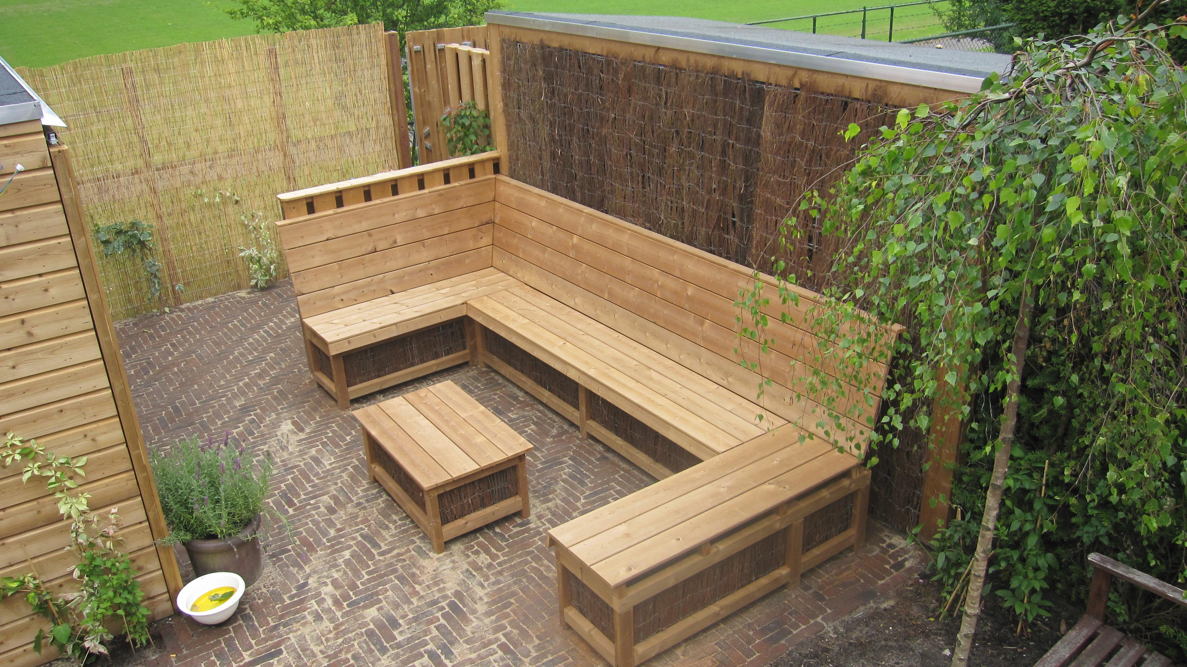 Loungeset Tuin Hout : Tuinmeubelwinkel in houten buitenhof tuinmeubelen