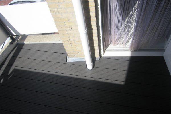 kunstof-vlonder-op-Balkon