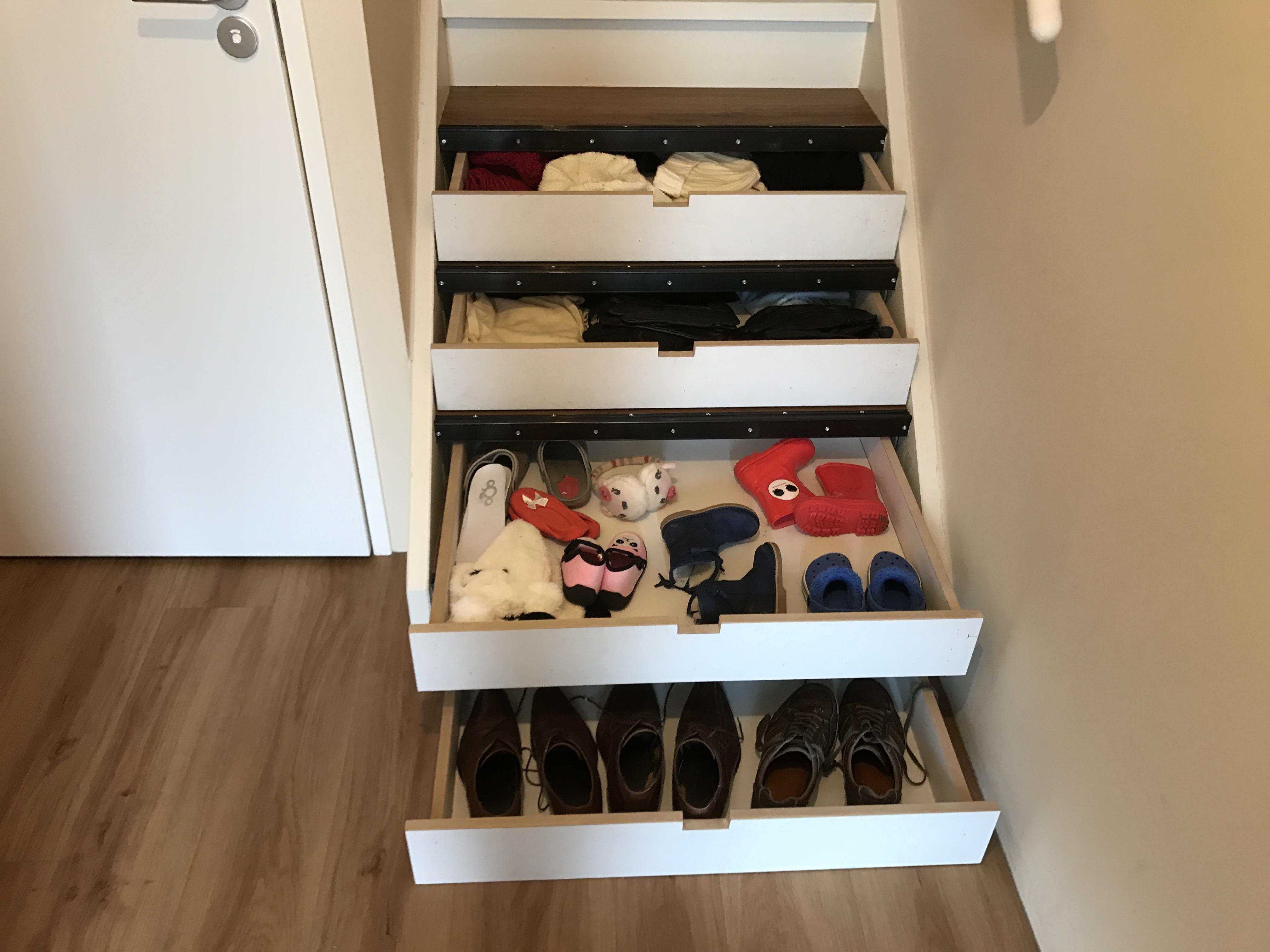 Super Ook u loze ruimte onder de trap van u trap kast benutten, door #BS73