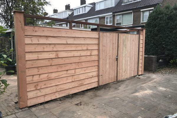 plaatsen douglash houten schutting met dubbelen poortdeur utrecht (5)