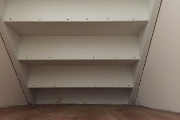 Genoeg Ook u loze ruimte onder de trap van u trap kast benutten, door @ND52