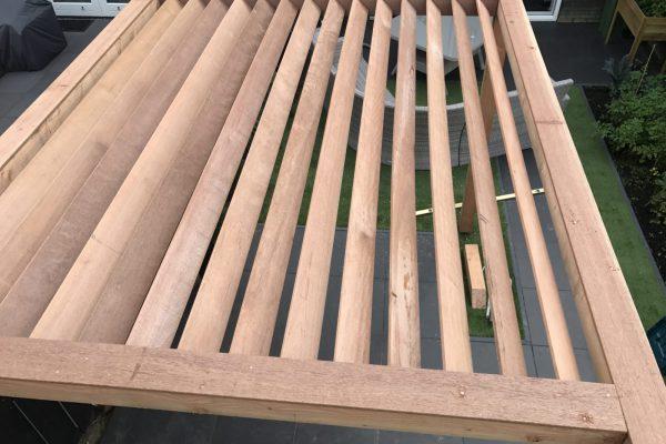 plaatsen van douglas houten pergola