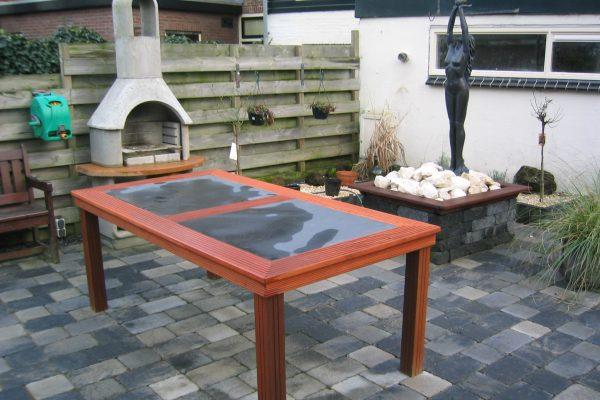 Hardhouten tuin tafel op maat laten maken van bankirai hout