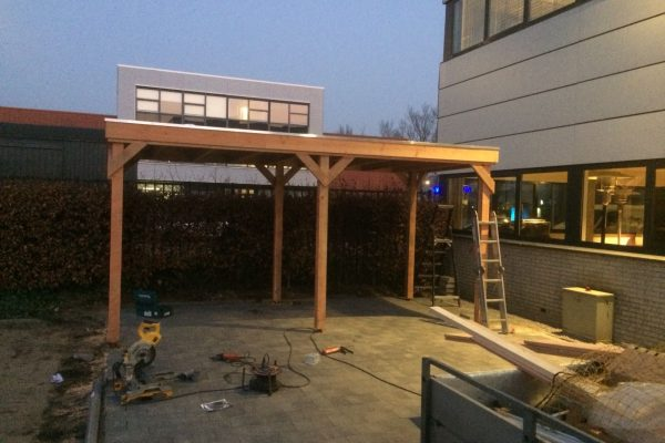 Douglas houten Overkapping geplaatst Boretti Amsterdam
