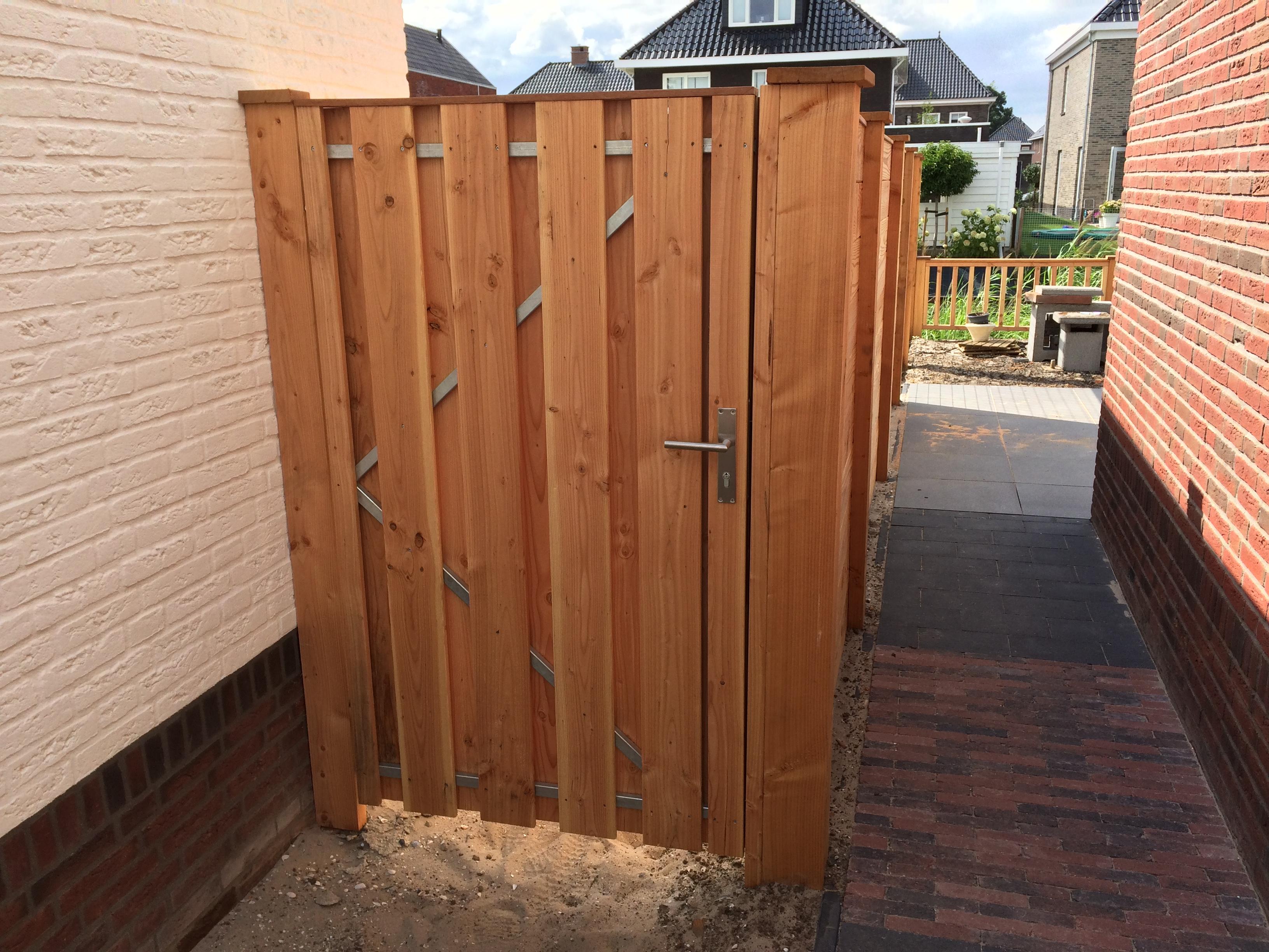 douglashouten schuttingen en poortdeuren