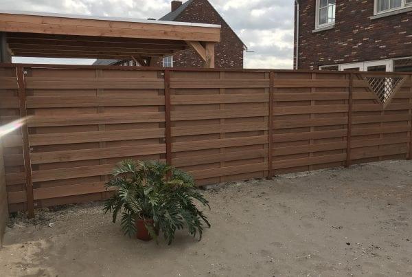 hardhouten schuttingen en poort deuren geplaatst Park Triangel te Waddinxveen