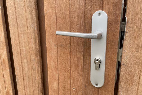 hard houten carportdeuren geplaatst schoonhoven (3)