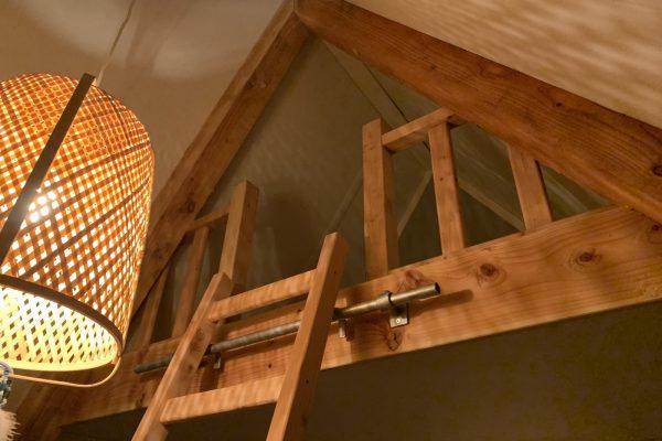 Plaatsen van vide van douglash hout met plafon van MDF in Gouda