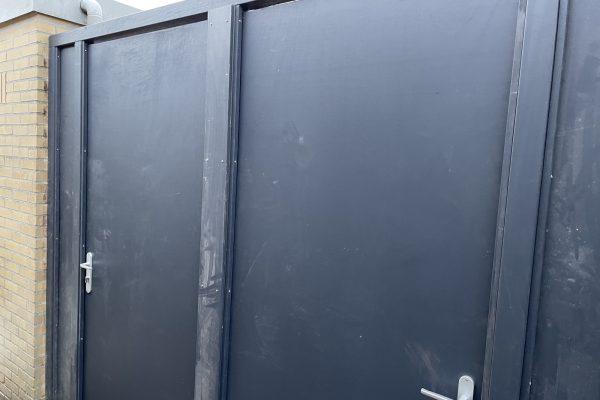 Multiplex poortdeuren geplaatst Amstelveen (2)